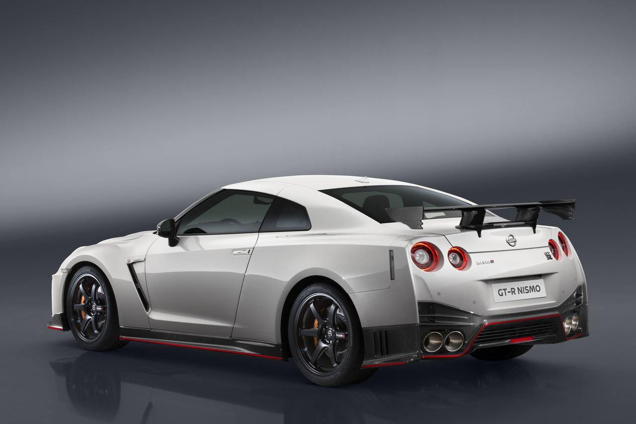 2017 Nissan Gt R Msrp >> The 2017 Gt R Nismo May Be The Most Badass Nissan You Can Buy