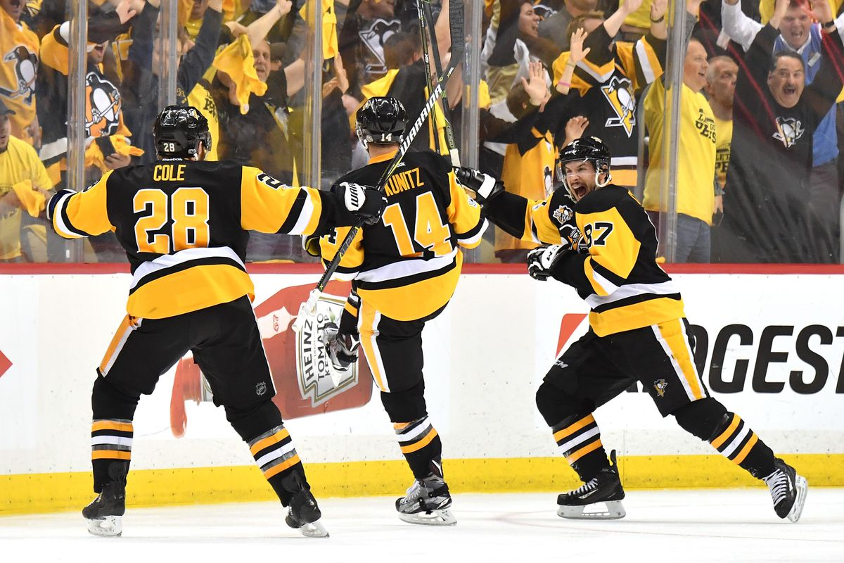 Kunitz's double-OT goal sends Penguins back to Stanley Cup