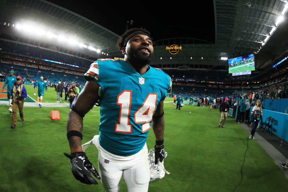 Photo by Mike Ehrmann Getty Images. The Miami Dolphins announced on Tuesday  they had placed the non-exclusive franchise tag on wide receiver Jarvis  Landry. 13102c856