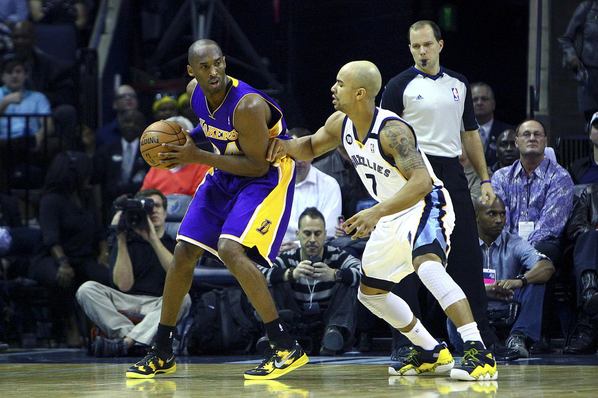 Jerryd Bayless needs to step up, and perhaps a visit from the showtime Lakers will help with that process.