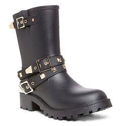 "<b>Steve Madden</b> Downpour Boot, <a href=""http://www.stevemadden.com/product/DOWNPOUR/159046.uts?selectedColor=BLACK?$MR-THUMB$&showBreadcrumb=false&keyword=rain"">$79.95</a>"