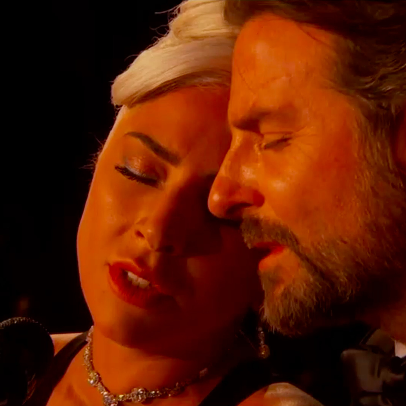 Lady Gaga And Bradley Cooper S Oscars Performance Led To Sultry
