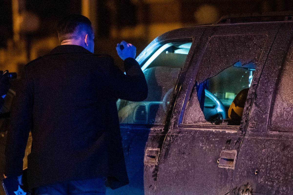 Police investigate the scene where a 41-year-old man was shot Friday morning in the 4400 block of South Princeton in the Fuller Park neighborhood. | Tyler LaRiviere/Sun-Times