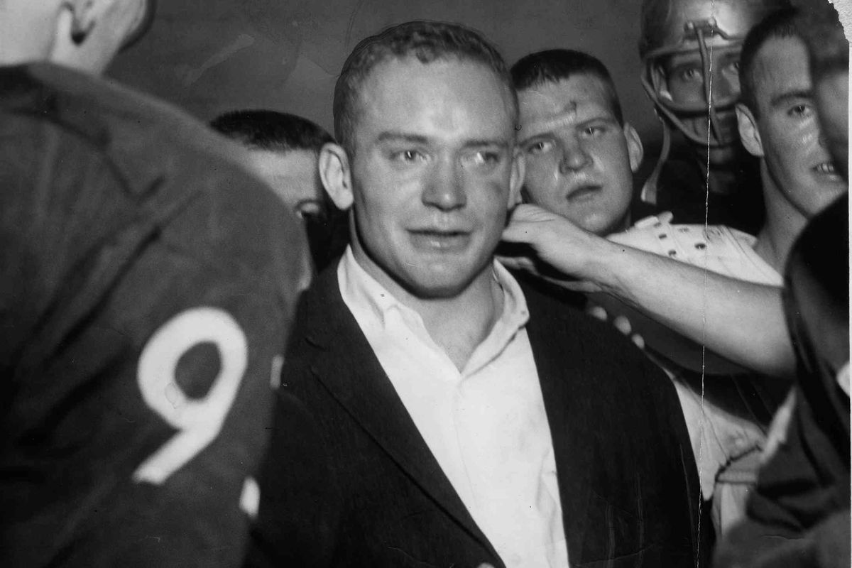 Friday Dots: Legendary quarterback Bob Schloredt dies at age 79