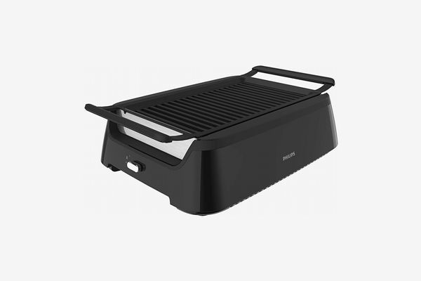 A black Philips indoor smokeless grill