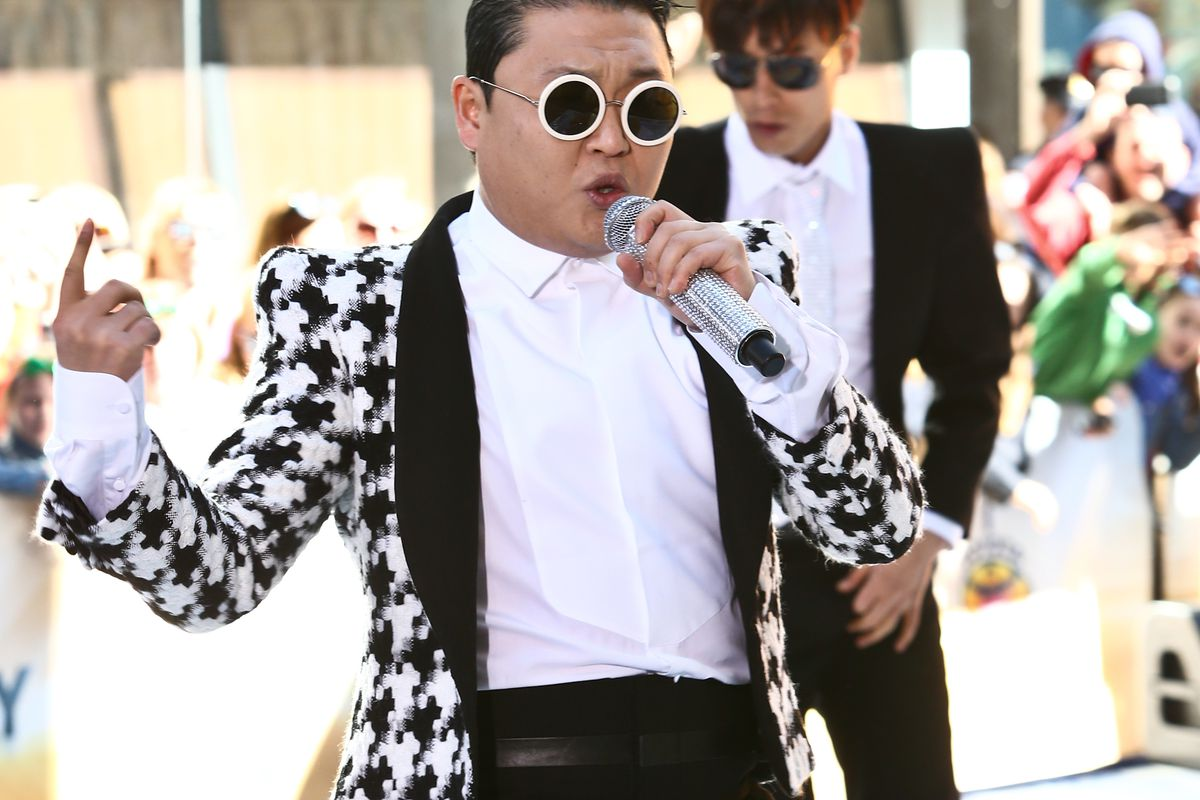"Psy's ""Gangnam Style"" Poised to Hit 2 Billion Views"