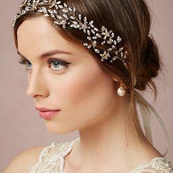 "<a href=""http://www.bhldn.com/shop-the-bride-veils-headpieces/honeysuckle-headband/productoptionids/d6588c0c-04f9-46b0-b5da-0086a7a09584"">Honeysuckle Halo</a>, $380"