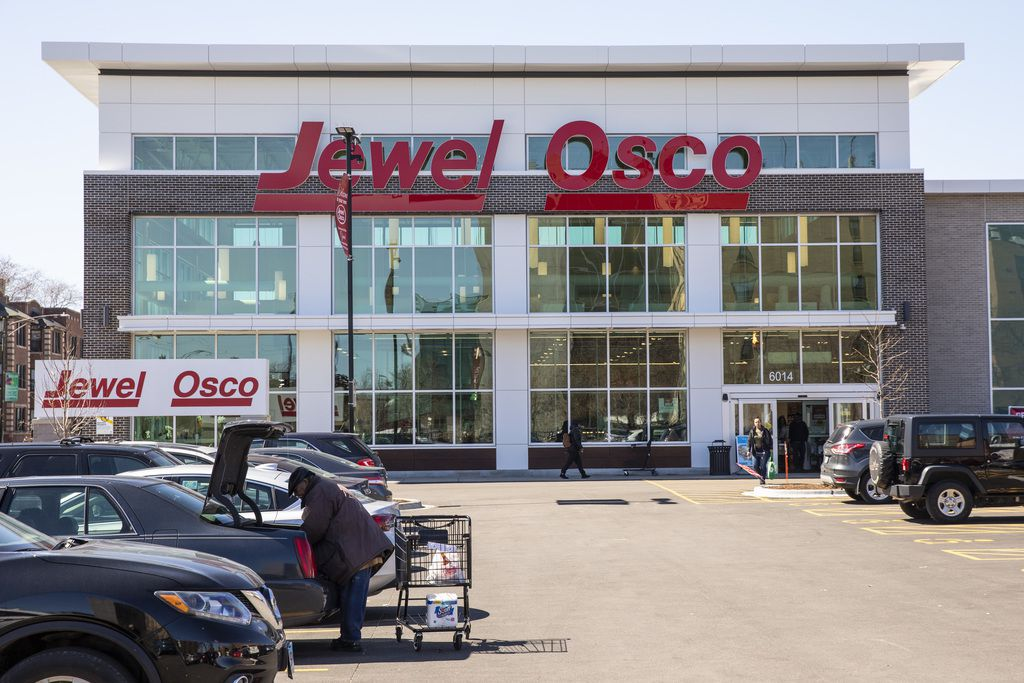 Woodlawn has been considered a food desert, with limit access to fresh fruits and vegetables. But a new Jewel-Osco at 6014 S. Cottage Grove not only could address that problem, but also have a ripple effect, boosting development in west Woodlawn, some res