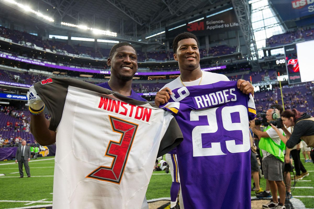 Xavier Rhodes Gets His Cake And Eats It Too Daily Norseman
