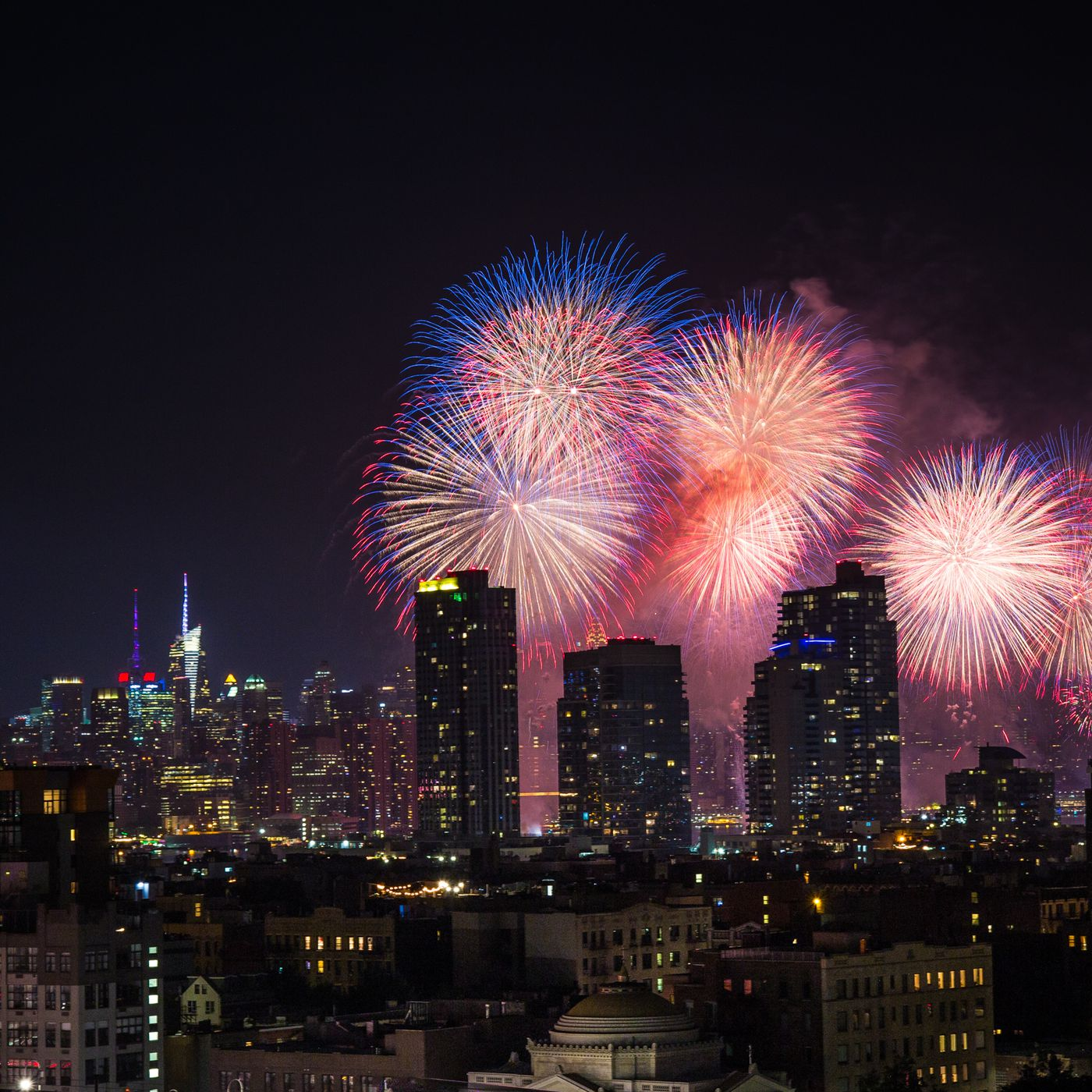 Macy's 4th of July Fireworks in NYC: Where to watch - Curbed NY on nyc street map, manhattan bus map, east river ny map, western new york ny map, east river park map, east river park ny, northern boulevard flushing ny map, east river station, whitestone new york map, east river nyc map, ctaf frequency map, east river greenpoint map, long island city street map, east river running map, new york new jersey rivers map, east river bronx map, east river colorado map, east river bridges map, east river ferry map, east river manhattan map,