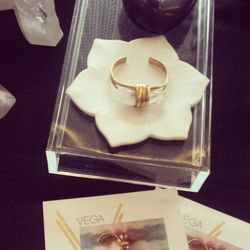 Gemstone-adorned accoutrements by Cali-based Vega jewelry were also a hit.