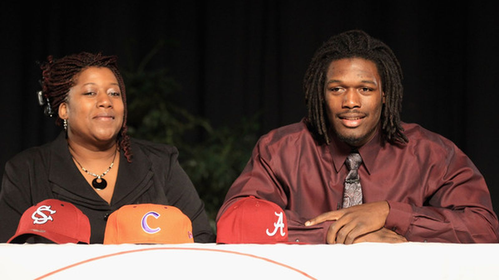 pdes signing day 2012 - HD1600×900