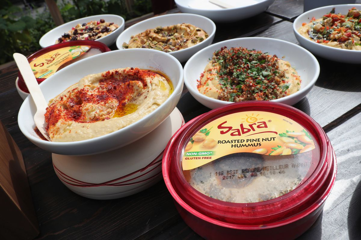 Lea Michele & Sabra Dipping Company Host An Unofficial Meal Event In NYC Celebrating #NationalHummusDay