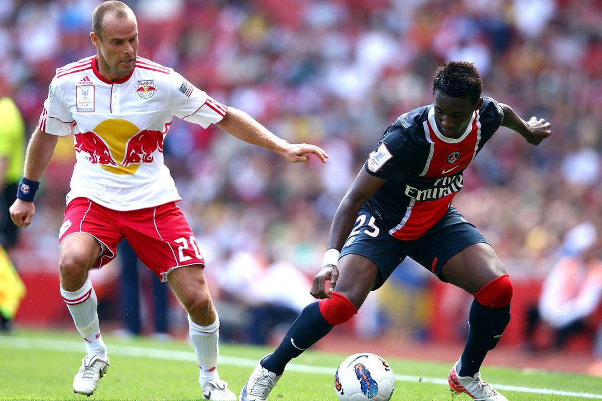 Lindpere battles with PSG