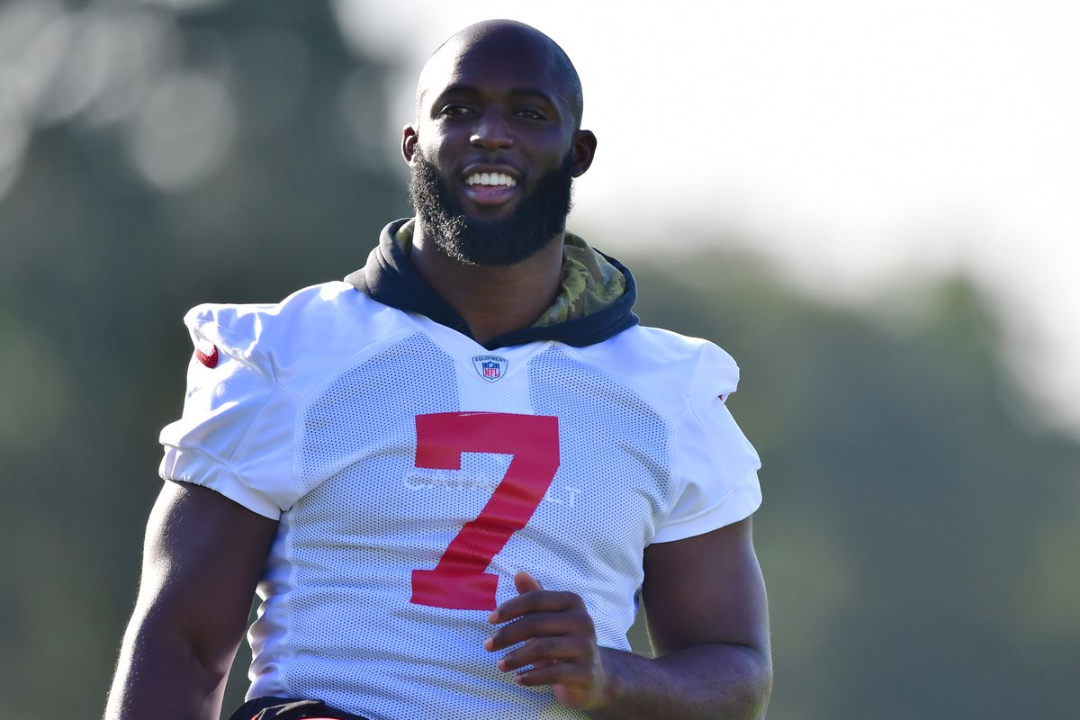 Leonard Fournette #7 of the Tampa Bay Buccaneers warms up during training camp at AdventHealth Training Center on July 26, 2021 in Tampa, Florida.