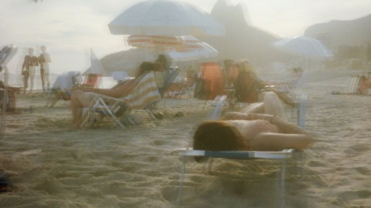 amateur pale naked girls beach