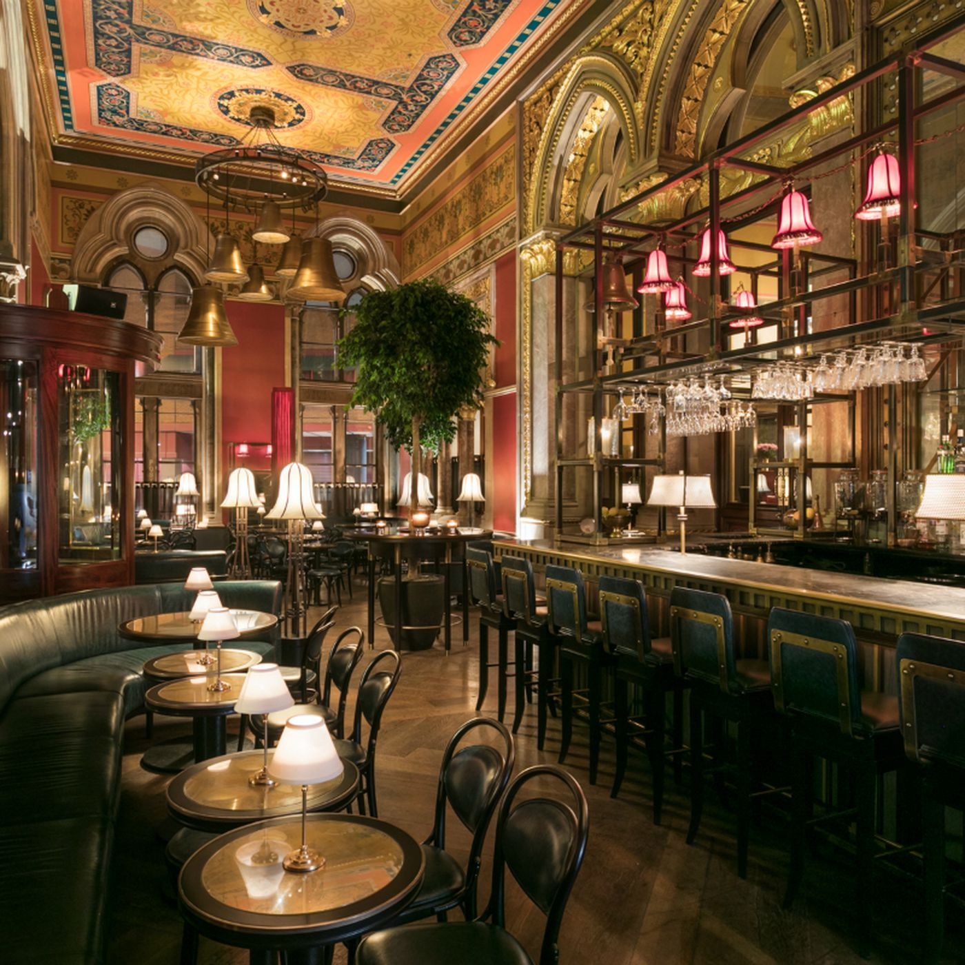 Chef Marcus Wareing Seeks To Reinvent 19th Century Bar In King S Cross Hotel Eater London