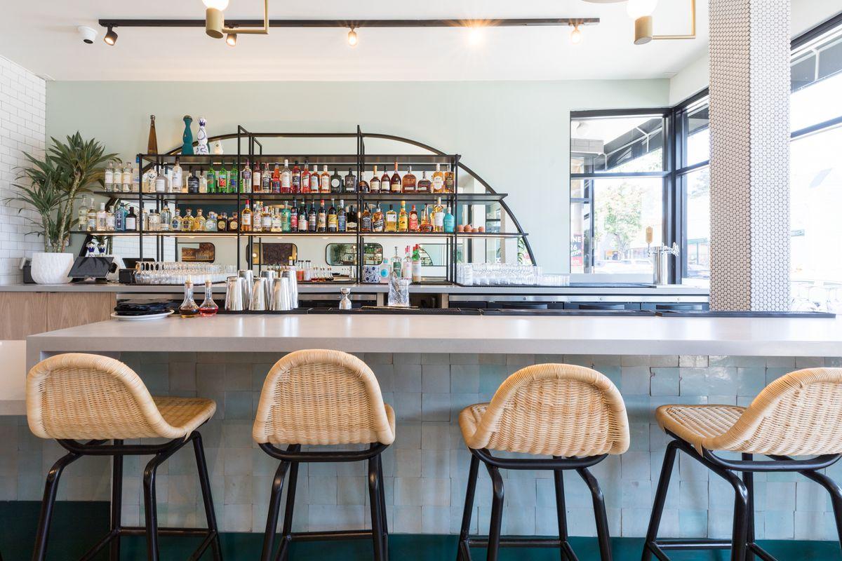 The bar at Jo's Modern Thai