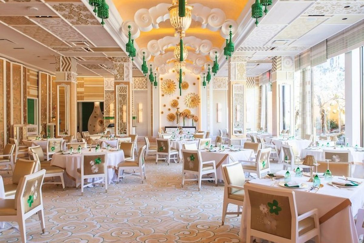 """<a href=""""http://vegas.eater.com/archives/2013/12/26/view-the-dramatic-chinese-makeover-of-the-wing-lei.php"""">Wing Lei, Las Vegas</a>"""