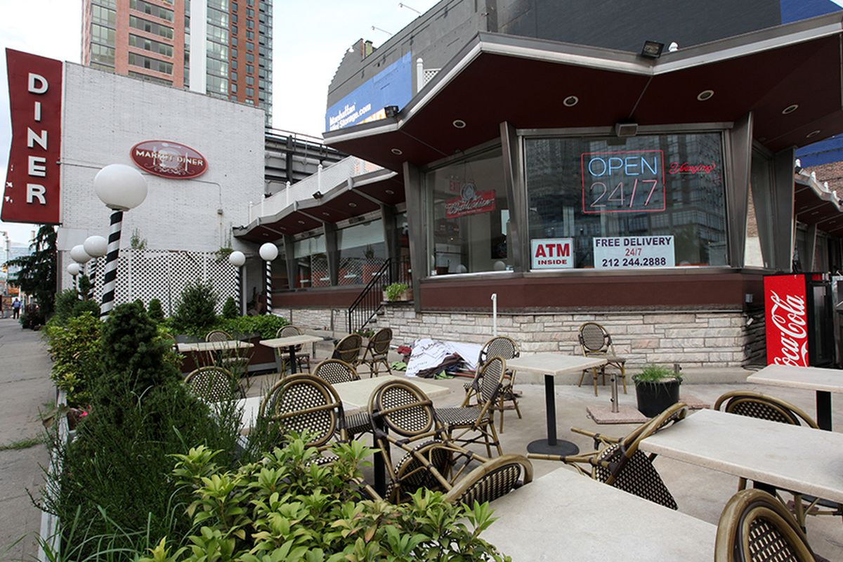 Hell's Kitchen Old-Timer Market Diner to Close After Service
