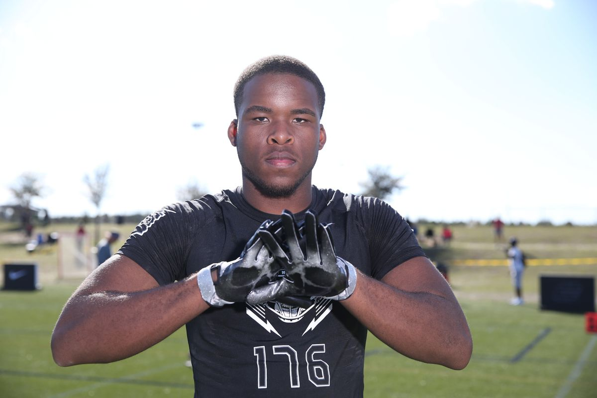 Florida lands commitment from four-star DB Amari Burney