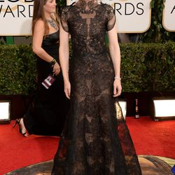 Cate Blanchett looking edgy-perfect in an intricate design by Armani Prive.