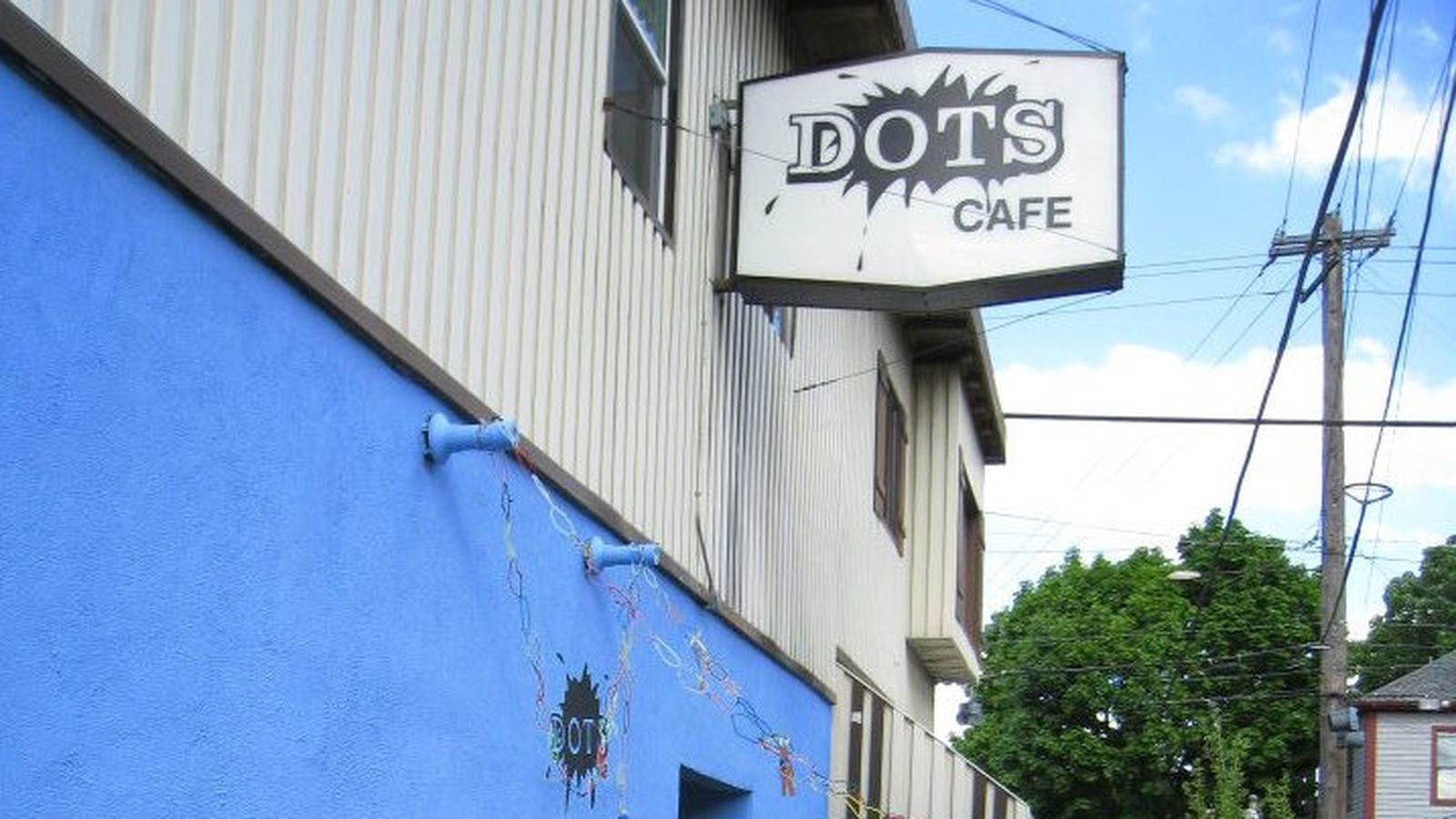 Dots Cafe Portland Happy Hour