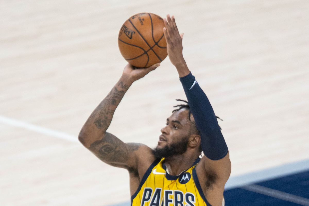 Indiana Pacers forward Oshae Brissett shoots the ball in the second quarter against the Detroit Pistons at Bankers Life Fieldhouse.