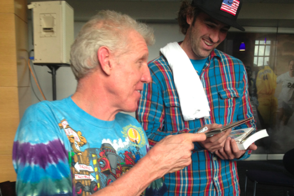 Bill Walton shares some of his best Grateful Dead CDs with his tour bus driver