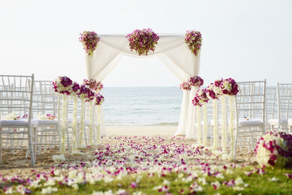 Image via l2egulas/Shutterstock