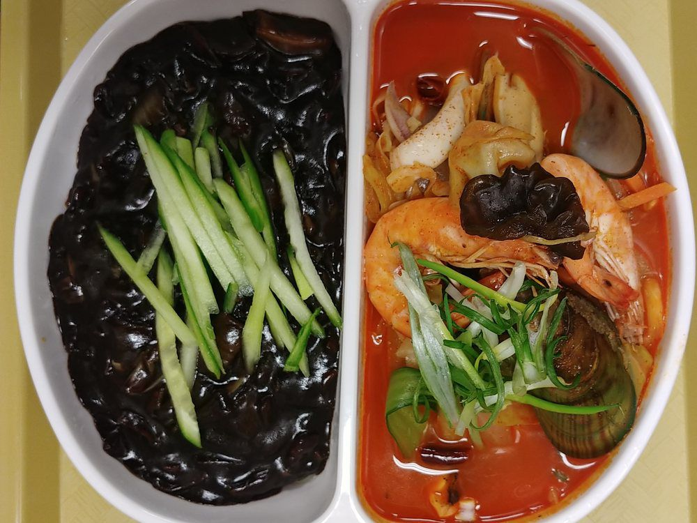 Noodle combo at Hong Lou