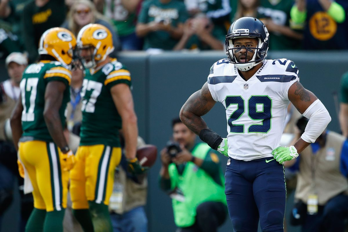 b99063e3073 Earl Thomas not the only NFC West defensive star skipping voluntary workouts