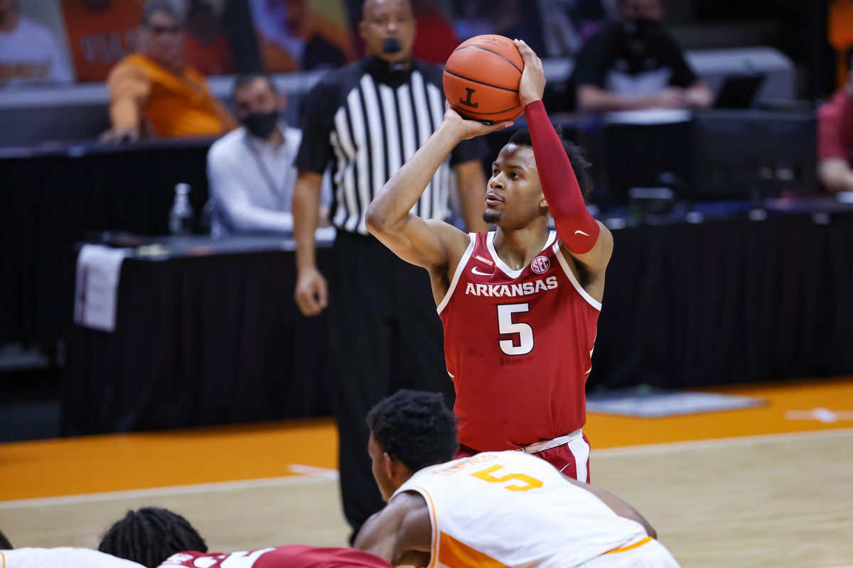 Arkansas Razorbacks guard Moses Moody (5) shoots a free throw against the Tennessee Volunteers during the first half at Thompson-Boling Arena.
