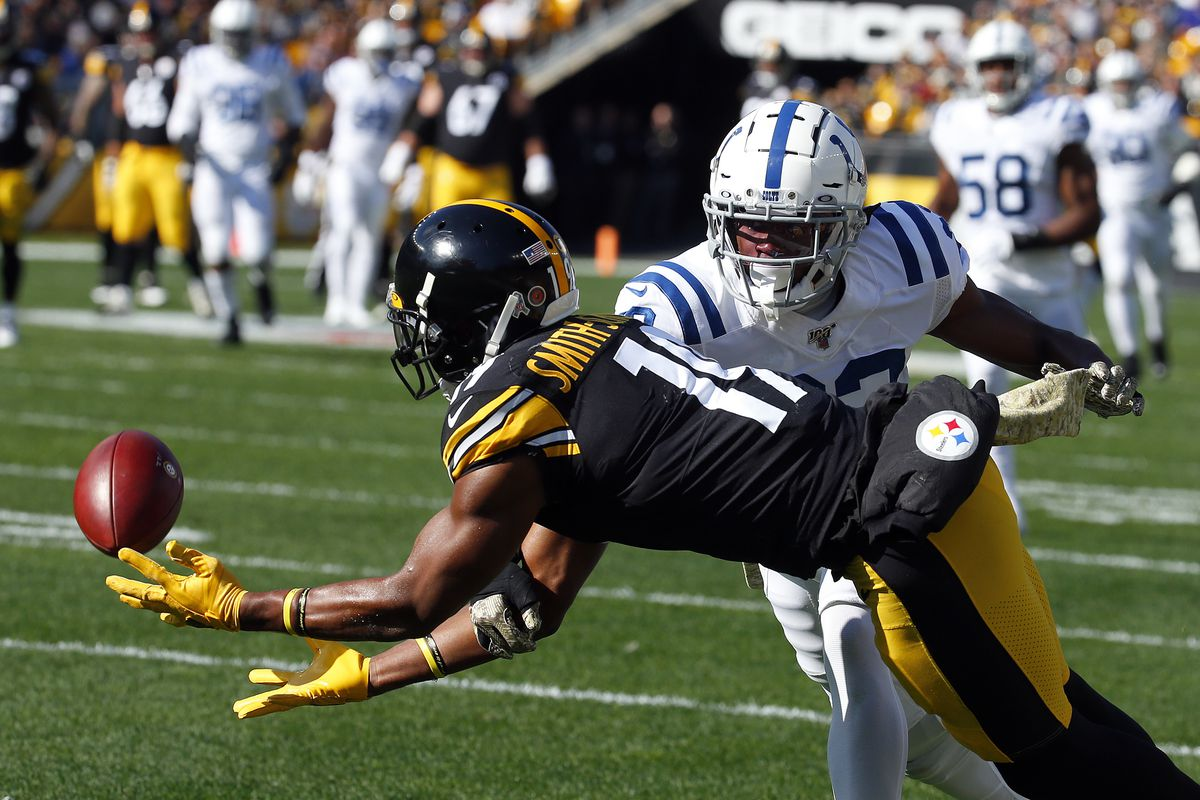 JuJu Smith-Schuster of the Pittsburgh Steelers drops a pass against the Indianapolis Colts on November 3, 2019 at Heinz Field in Pittsburgh, Pennsylvania.