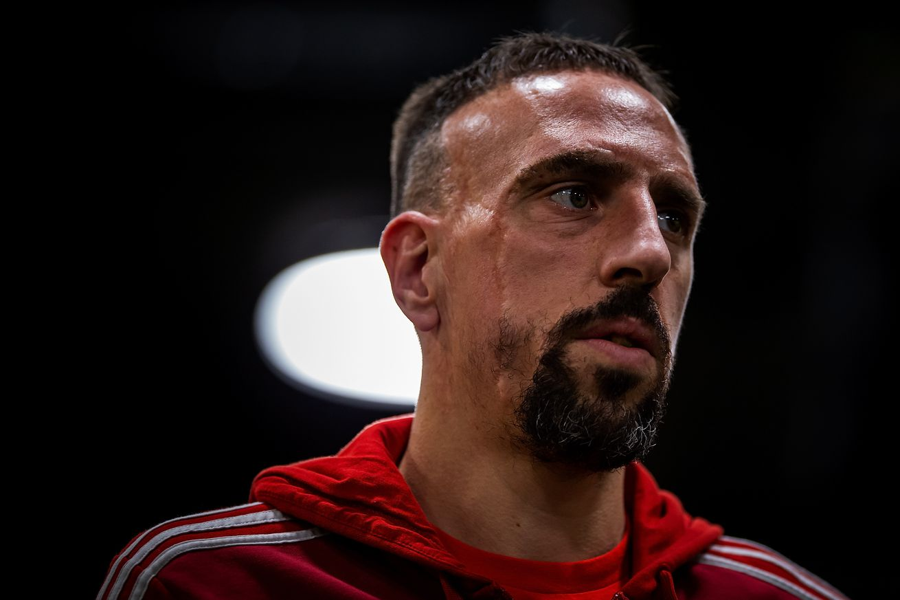 Ribery costs himself and Robben BAMBI award for striking journalist