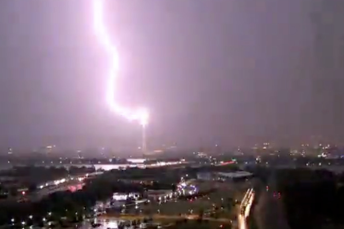 WUSA 9's Sky Cam captured video footage of lightning striking the Washington Monument with a bolt of lightning. Other flashes of light occur nearby in the moments right after.