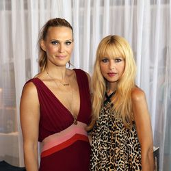 The event's hosts, Molly Sims and Rachel Zoe. Photo via Super Saturday.