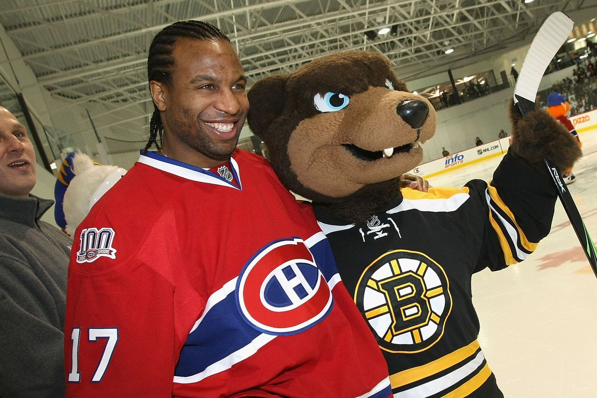 Georges Laraque poses with Blades