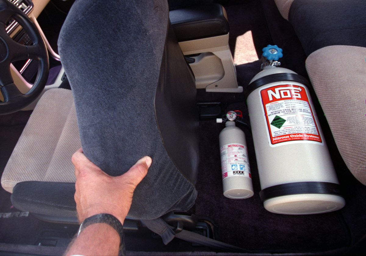 ME.Hondas.Nitro,082395.MB––(Westminster)–The Nitrous Oxide bottle mounted on the floor in the back s