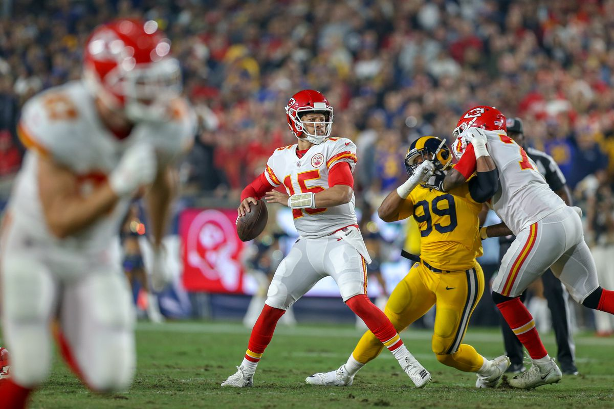 NFL: NOV 19 Chiefs at Rams