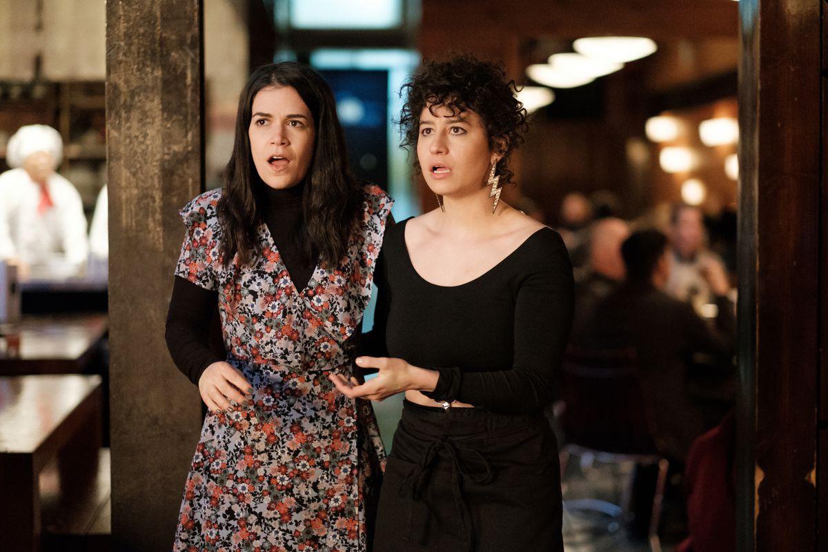 Abbi Jacobson as Abbi and Ilana Glazer as Ilana in season 4 of Broad City.