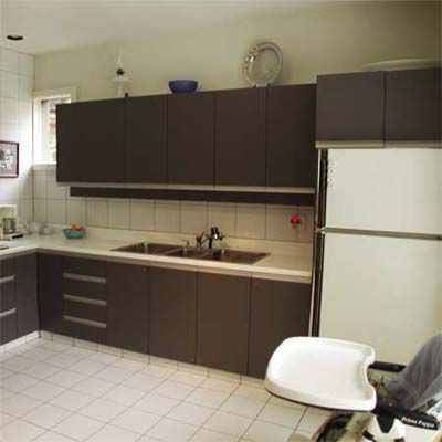 After House Staging: Clean, Spacious Kitchen