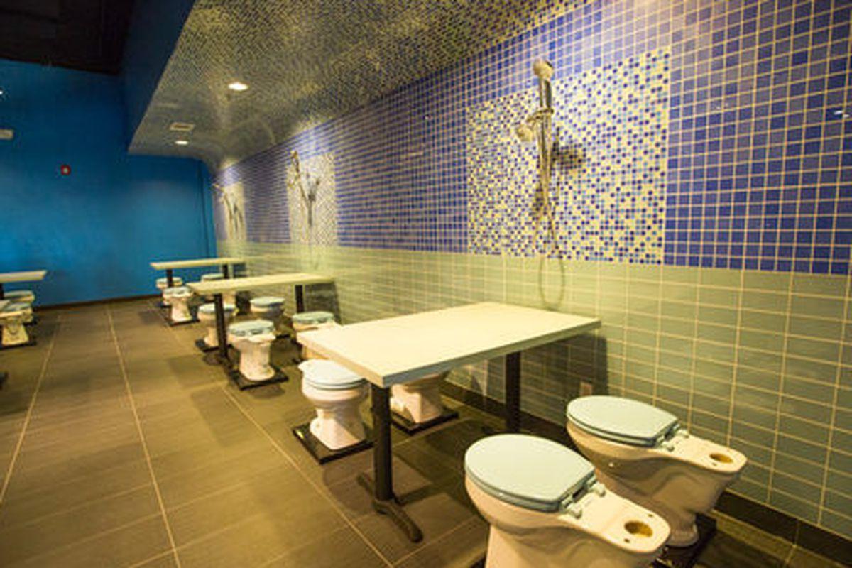 Resultado de imagem para Magic Restroom Café