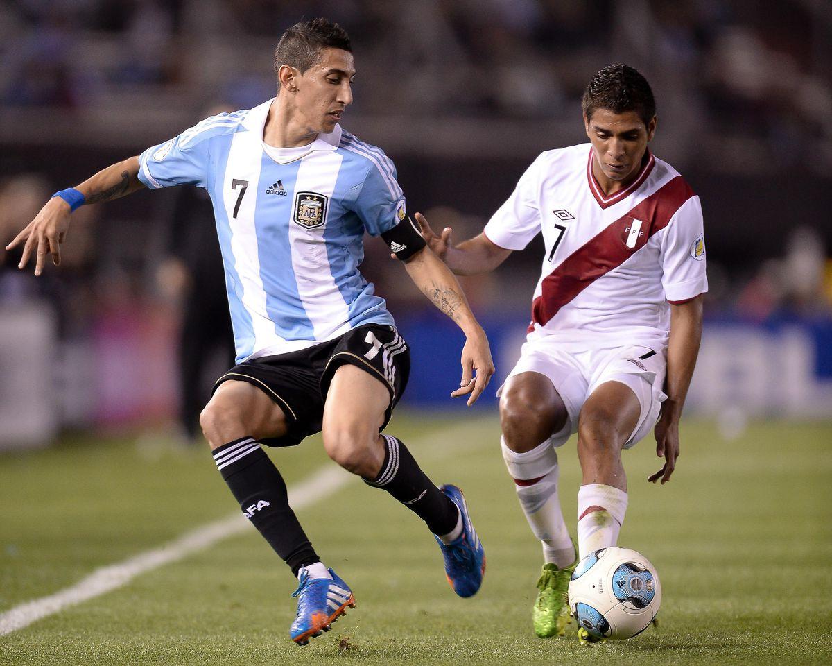 Argentina v Peru - FIFA World Cup 2014 Qualifiers