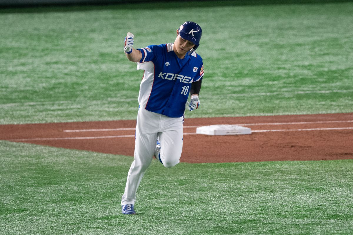 Ha Seong Kim of team South Korea hit a two run homerun during the WBSC Premier 12 final game between Japan and South Korea at the Tokyo Dome on November 17, 2019 in Tokyo, Japan.