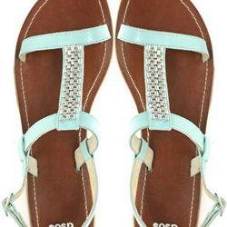 "<a href=""http://us.asos.com/ASOS-FRANKI-Flat-Leather-Sandals-with-Metal-Trim/xagpr/?iid=1864200&cid=4172&Rf900=1548&sh=0&pge=0&pgesize=200&sort=-1&clr=Mintsilver&mporgp=L0FTT1MvQVNPUy1GUkFOS0ktRmxhdC1MZWF0aGVyLVNhbmRhbHMtd2l0aC1NZXRhbC1UcmltL1Byb2Qv""> Aso"