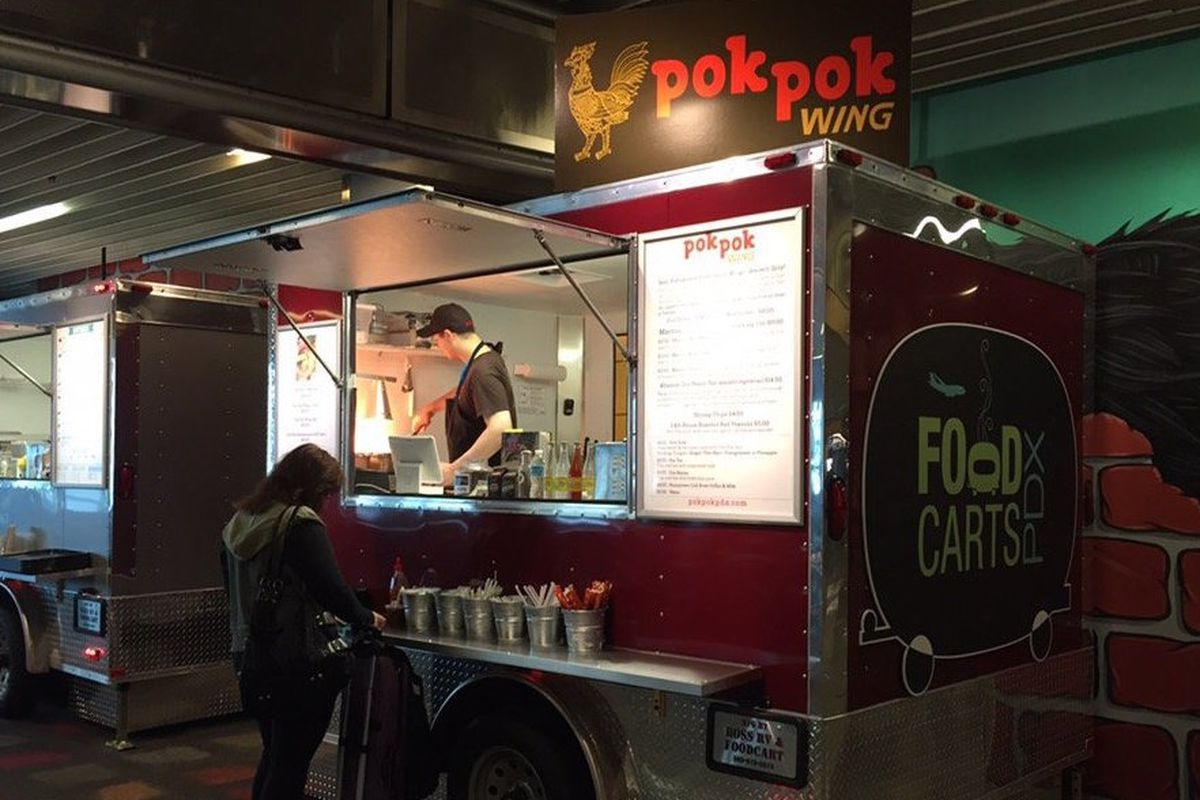 The Pok Pok Wing food cart's old PDX airport location