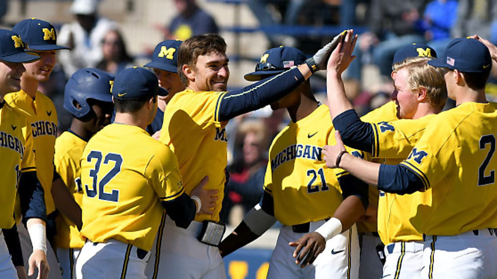 Michigan_baseball_by_michigan_athleticsmgoblue.com_2017_drc_8876_yqdjiy.0