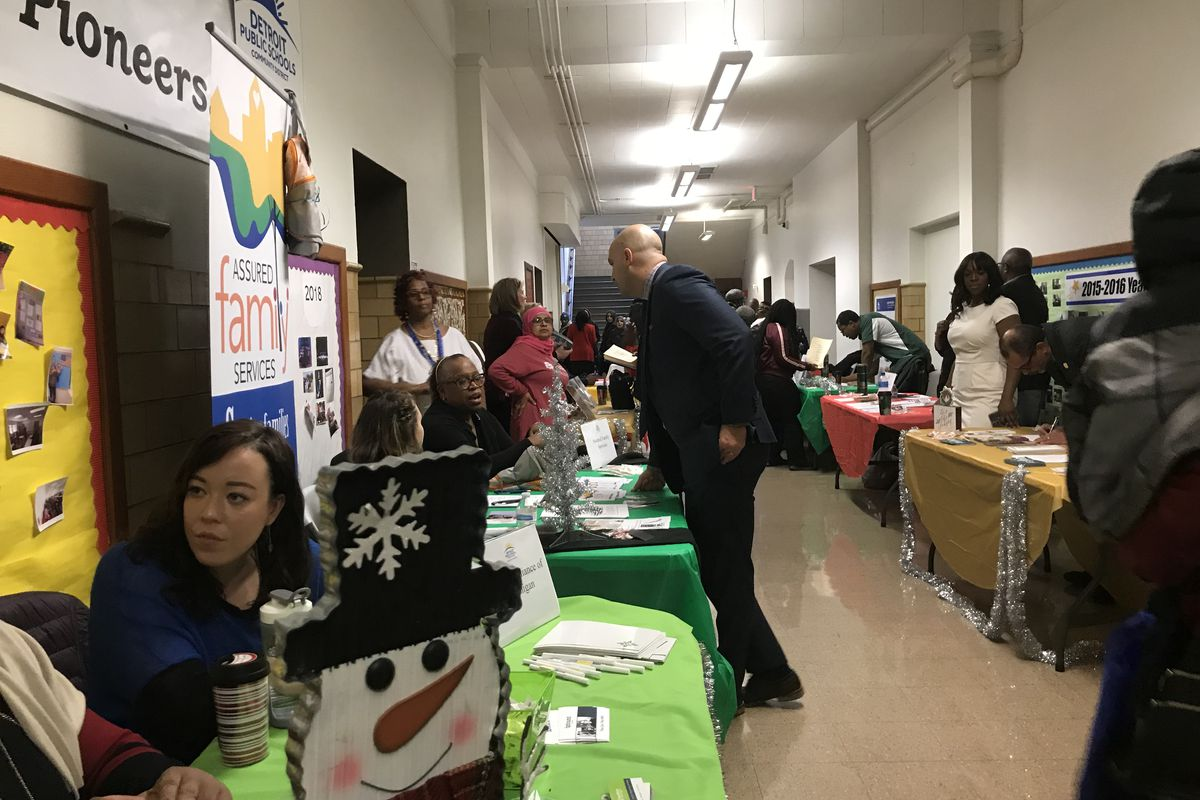 Detroit Superintendent stops at one of the many community agencies that will be providing resources to the family hubs that will open in adult education centers in the district.