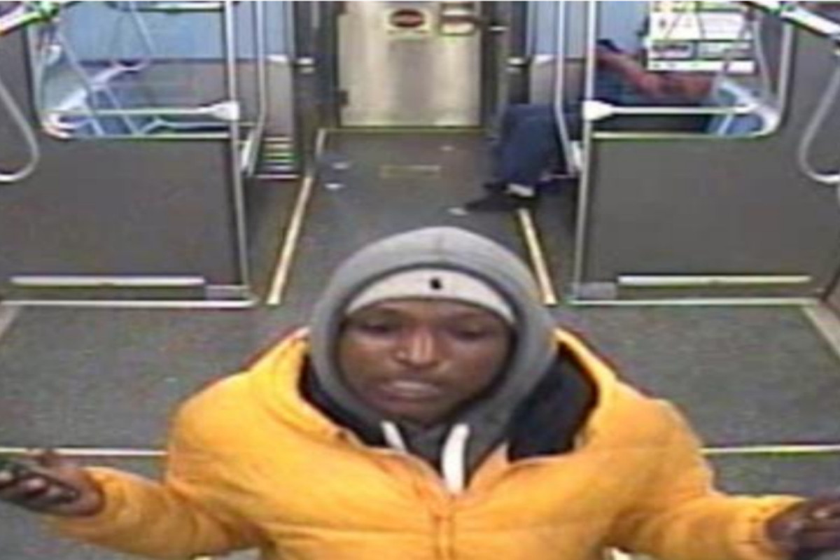 A male suspect robbed and stabbed a man Apri 26, 2021 in the Purple Line train.